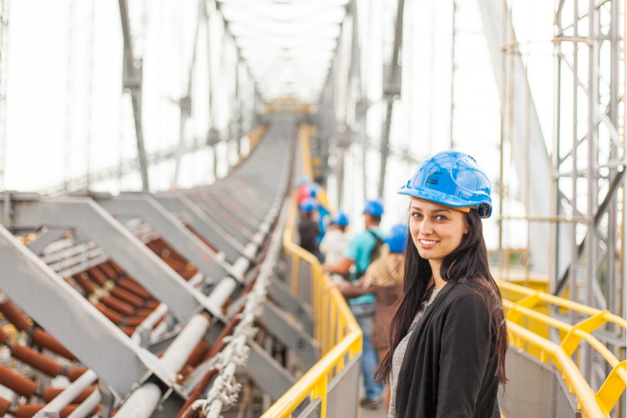 Programs for girls into construction